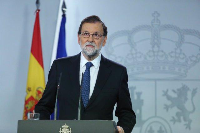 Mariano Rajoy comparece en el Palacio de la Moncloa el 1 de octubre