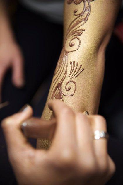 El PSOE pide en el Congreso más vigilancia sobre los tatuajes