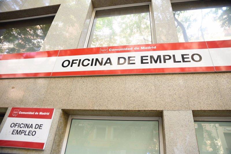 El paro sube en canarias en casi personas y alcanza for Oficina de empleo gran canaria
