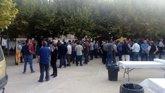 Foto: Agricultores de Lleida cortan carreteras y aparcan tractores en las plazas de los pueblos