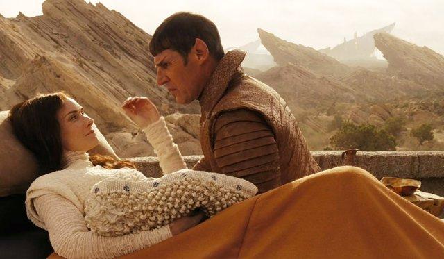 Spok y su madre en 'Star Trek' (2009)