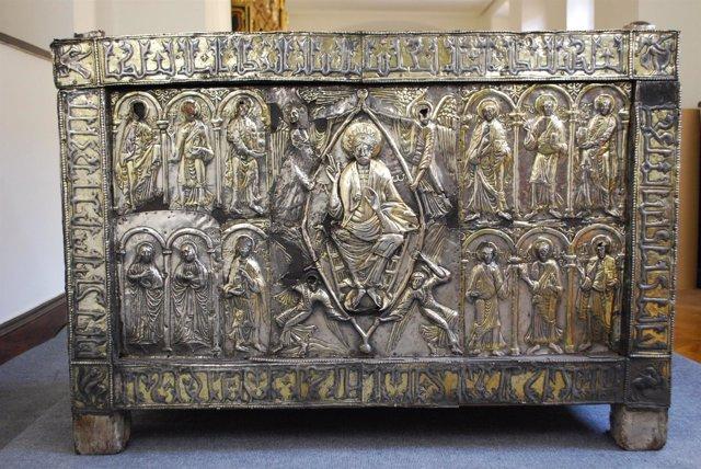 Un estudio data el arca santa de la catedral de oviedo en for Studio 54 oviedo