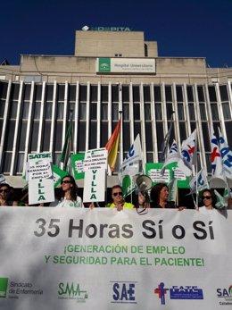 Protestas por las 35 horas en el Hospital de Valme