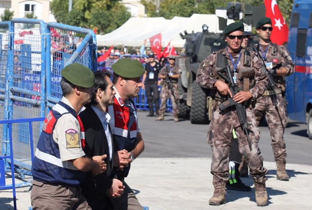 Soldados condenados por intentar asesinar a Erdogan