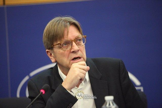 El líder del grupo ALDE, Guy Verhofstadt