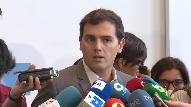 Albert Rivera pone en duda el liderazgo de Rajoy