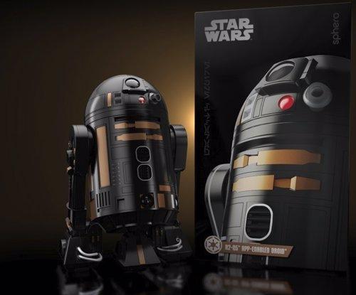 R2-Q5 R2-D2 Sphero robots star wars