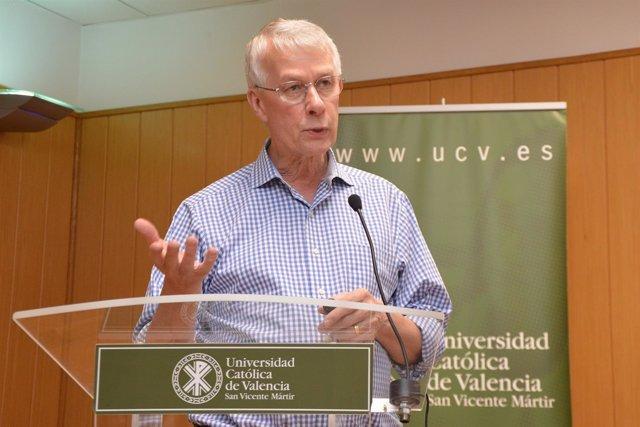 El Nobel Richard Roberts en la UCV