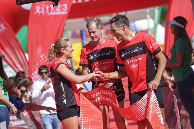 Mireia Belmonte, Abel Antón y Miguel Indurain en el Triathlon Banco Santander