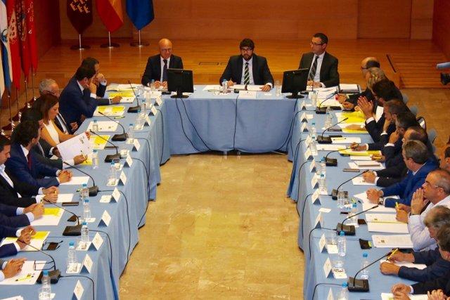 Fotos/ El Jefe Del Ejecutivo Regional, Fernando López Mi Ras, Preside La Reunión