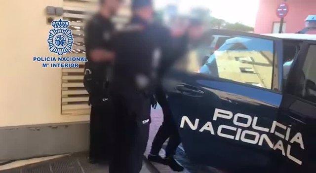Detención del presunto agresor a un guardia civil en Fuengirola