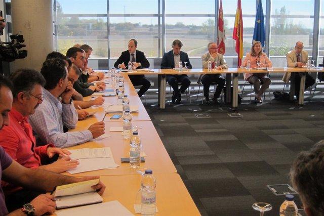 Del Olmo preside la reunión sobre el plan de dinamización de las cuencas