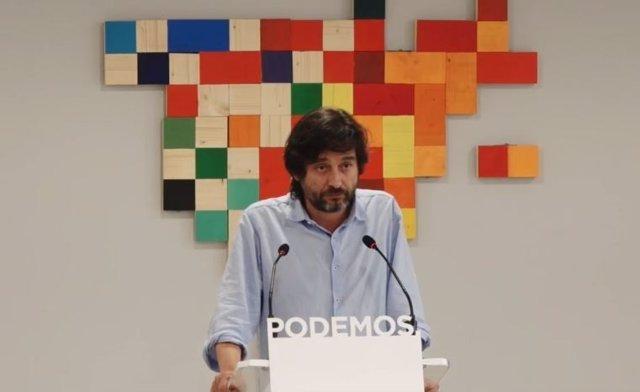 El dirigente de Podemos Rafael Mayoral en rueda de prensa el 1-O