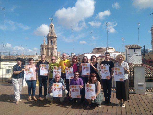 Marcha del 9 d'Octubre con el lema 'Sí al valencià'