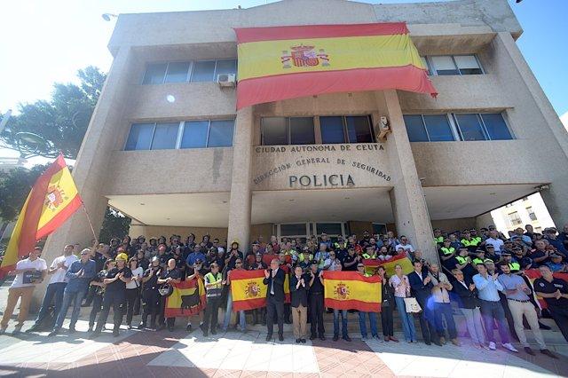 Concentración en Ceuta en apoyo a Policía Nacional y Guardia Civil