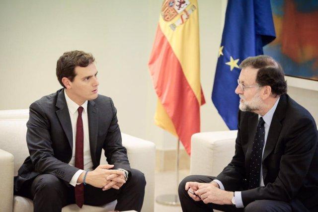 Mariano Rajoy se reúne con Albert Rivera en la Moncloa