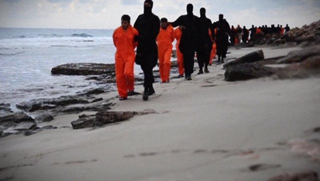 Vídeo de la ejecución de coptos por Estado Islámico en Libia