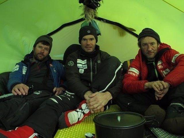 Alberto Iñurrategi, Juan Vallejo Y Mikel Zabalza