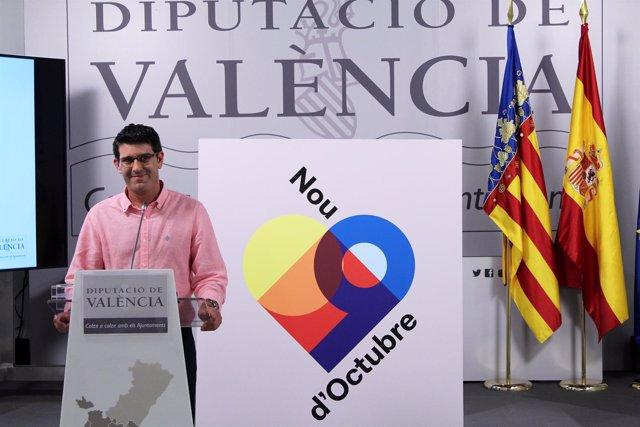 El presidente de la Diputación, con la imagen de la celebración