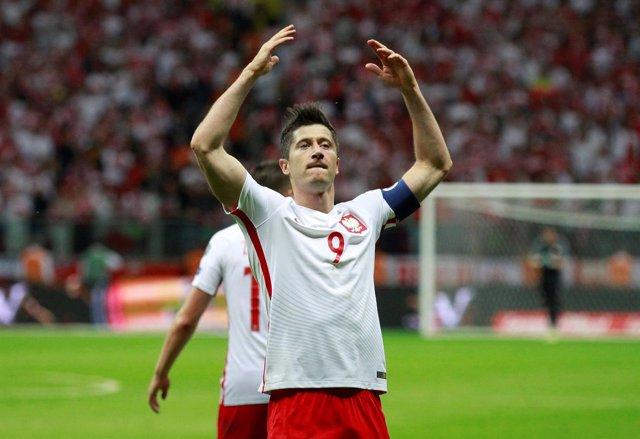 Robert Lewandowski con la selección polaca