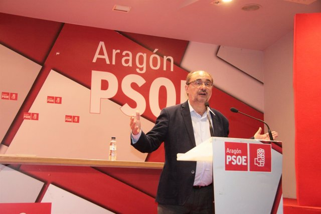 Javier Lambán este domingo en la sede.