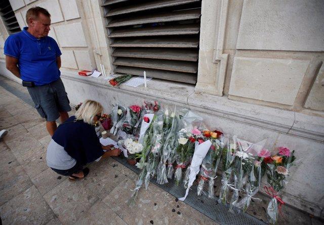 Homenaje a las víctimas del atentado de Marsella