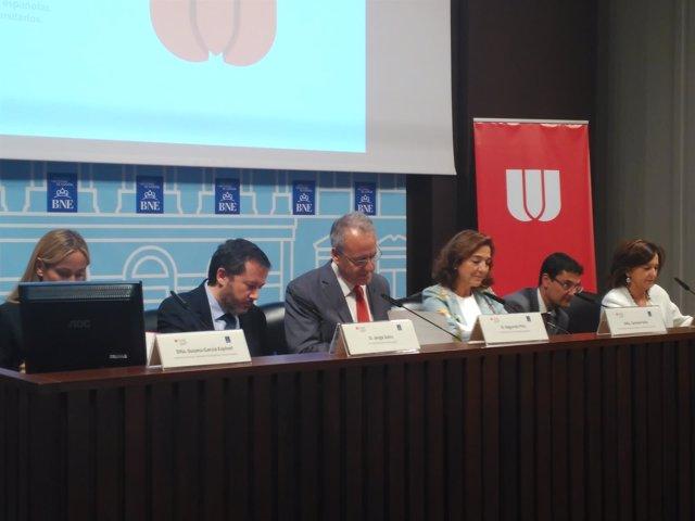 """CRUE presenta el informe """"La Universidad Española en cifras 2015/2016"""""""
