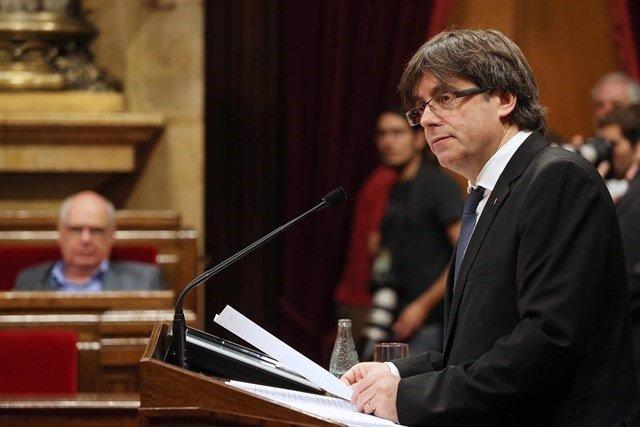 Puigdemont en el Pleno del Parlament