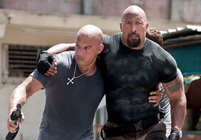 Vin Diesel (Toretto) y Dwayne Johnson (Hobbs) Fast & Furious