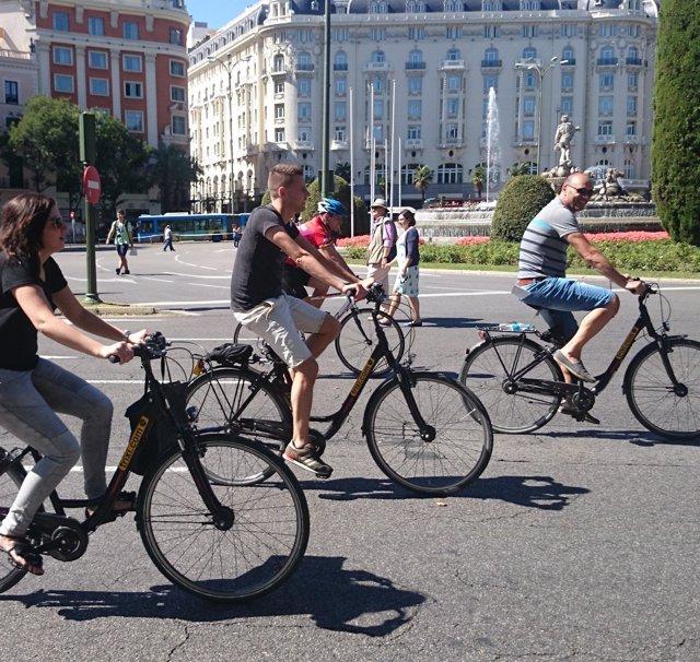 Ciclistas en Cibeles