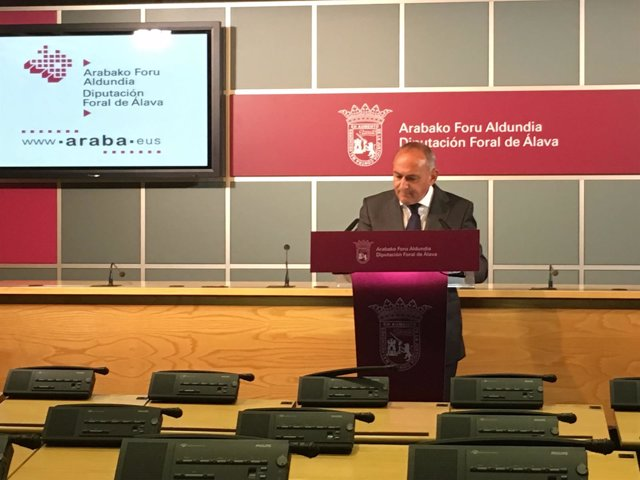 Rueda de prensa del diputado general de Álava, Ramiro González