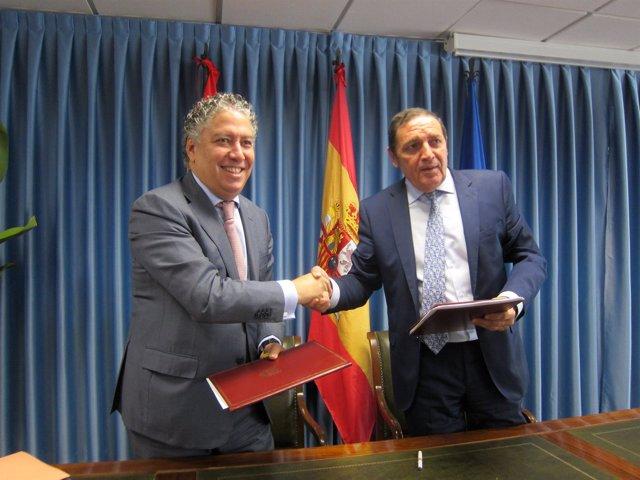 Tomás Burgos y Antonio María Sáez Aguado.
