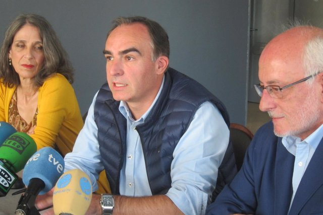 Iliana Casanueva, Javier Puente y Benigno Blanco presentan 'Avanza' en Cantabria