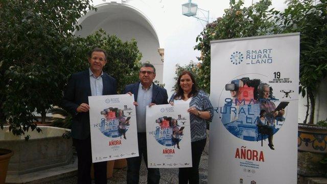 Carrillo, Madrid (centro) y Fernández, en la presentación del encuentro