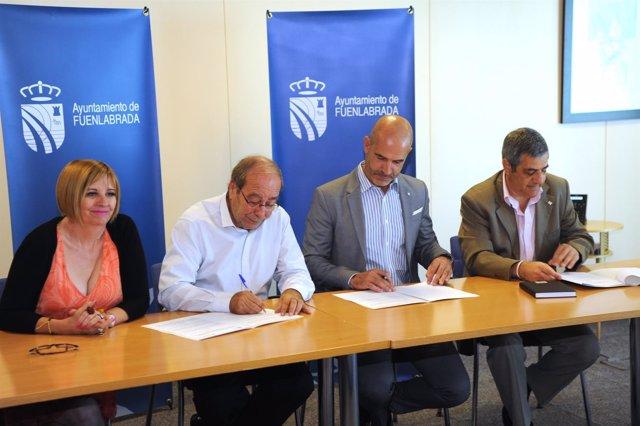 Fuenlabrada Y Cruz Firman Un Convenio Para La Acogida De Una Veintena De Refugia