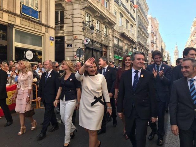 Bonig en la procesión cívica