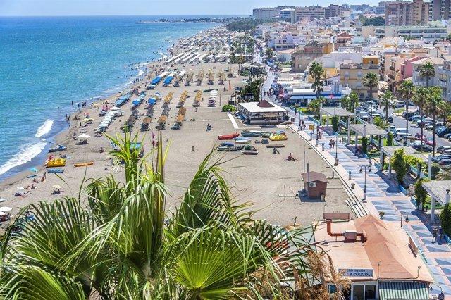Torremolinos playas litoral andaluz málaga turismo arena hamaca, sol palmera