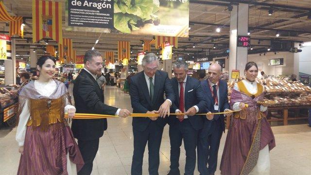 Olona en la inauguración de la muestra Productos de Aragón de Carrefour.