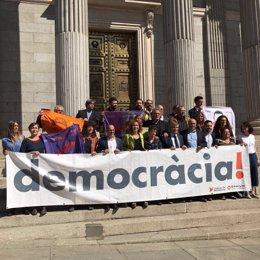 Diputados de ERC, PDeCAT y En Comú en defensa del referéndum