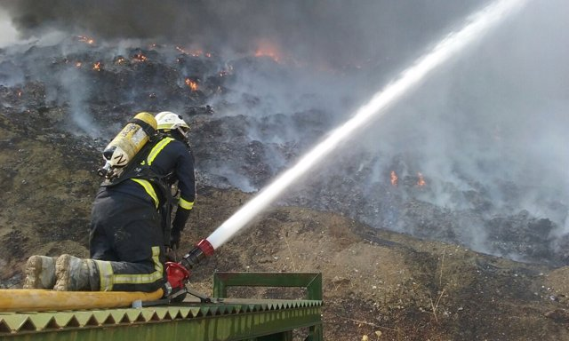 Incendio en la planta privada de reciclaje de plásticos en Córdoba