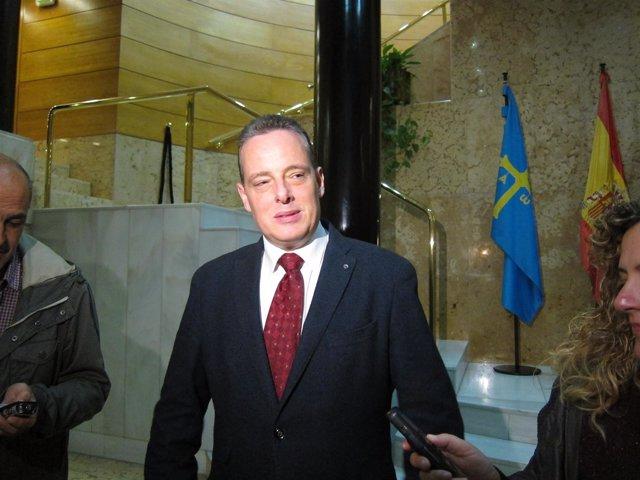 L portavoz del Grupo Parlamentario Socialista en la Junta, Marcelino Marcos