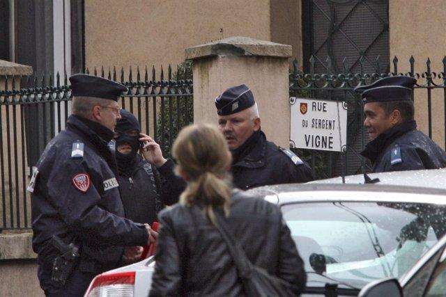 Policía En Toulouse