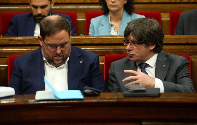 Junqueras y Puigdemont en el Parlamento catalán