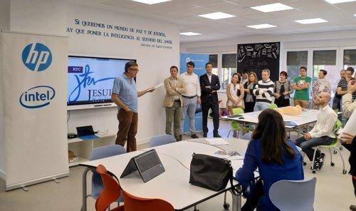 Presentación del aula RTC en el Colegio San Ignacio de Pamplona