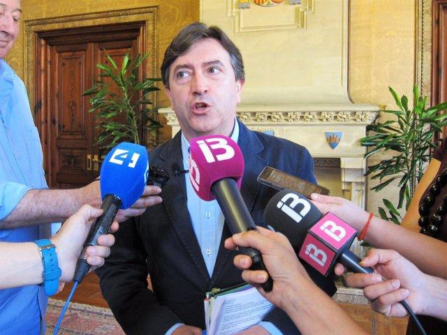 El PP pide la salida de Podemos del gobierno del Consell por votar en contra del enlace de Lloseta