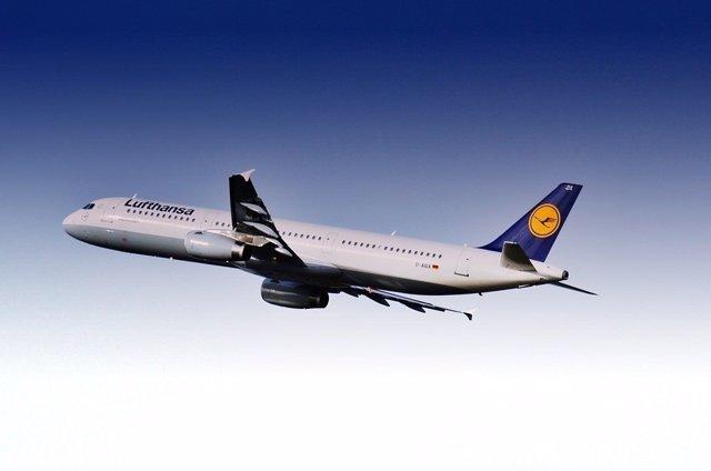 Lufthansa comprará parte de Air Berlin