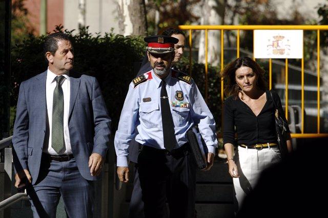 Trapero surt després de declarar en l'Audiència Nacional