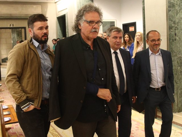 Gabriel Rufián y Joan Tardá acuden a la reunión de la Mesa de partidos