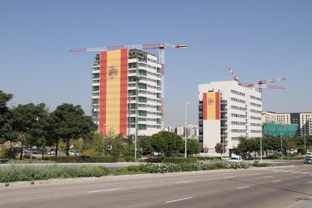 Bandera gigante en Valdebebdas
