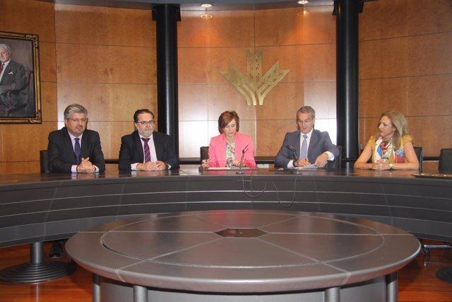 Firma de convenio entre Caja Rural y la OCG